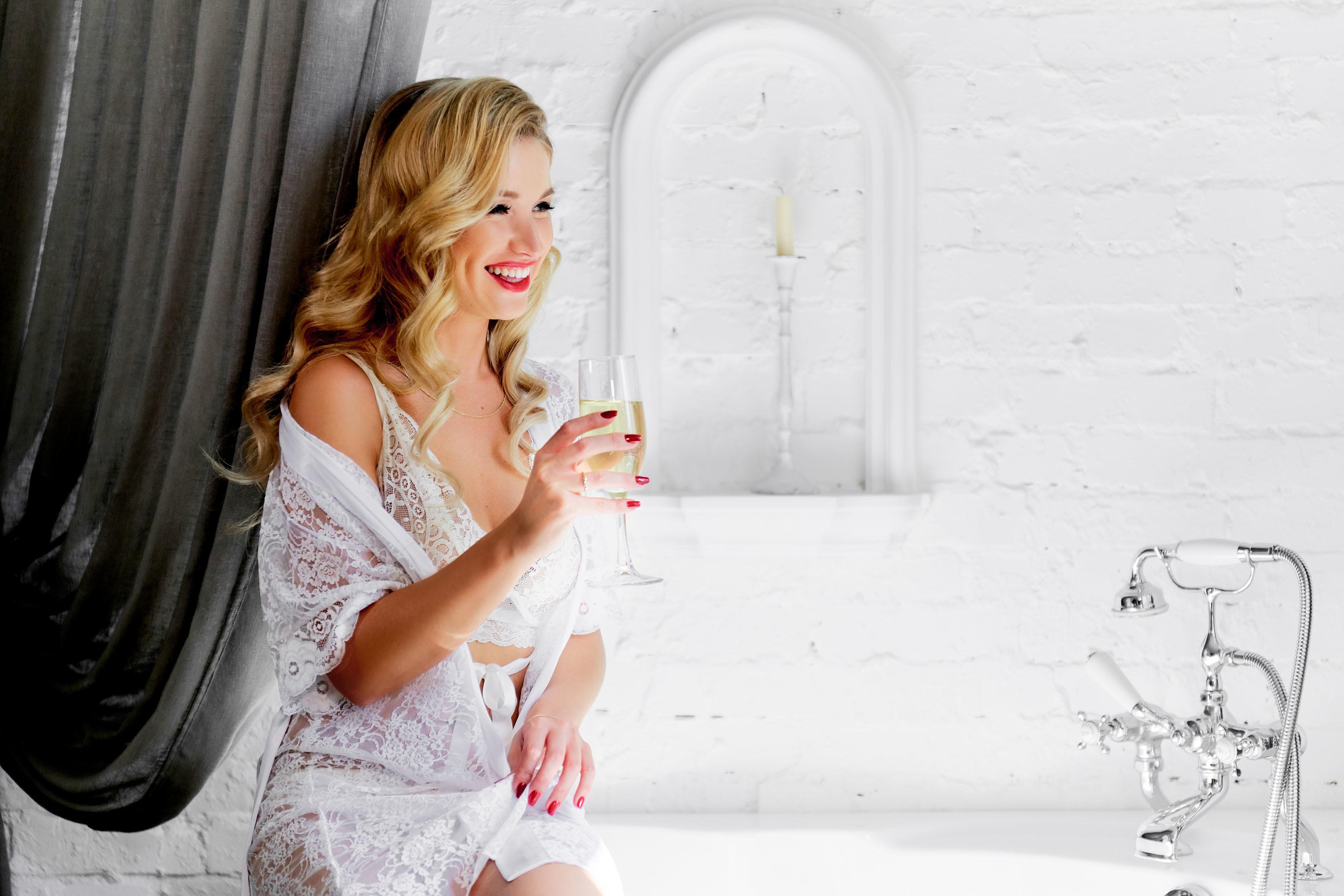 Утро невесты в апартаментах, свадебный фотограф спб