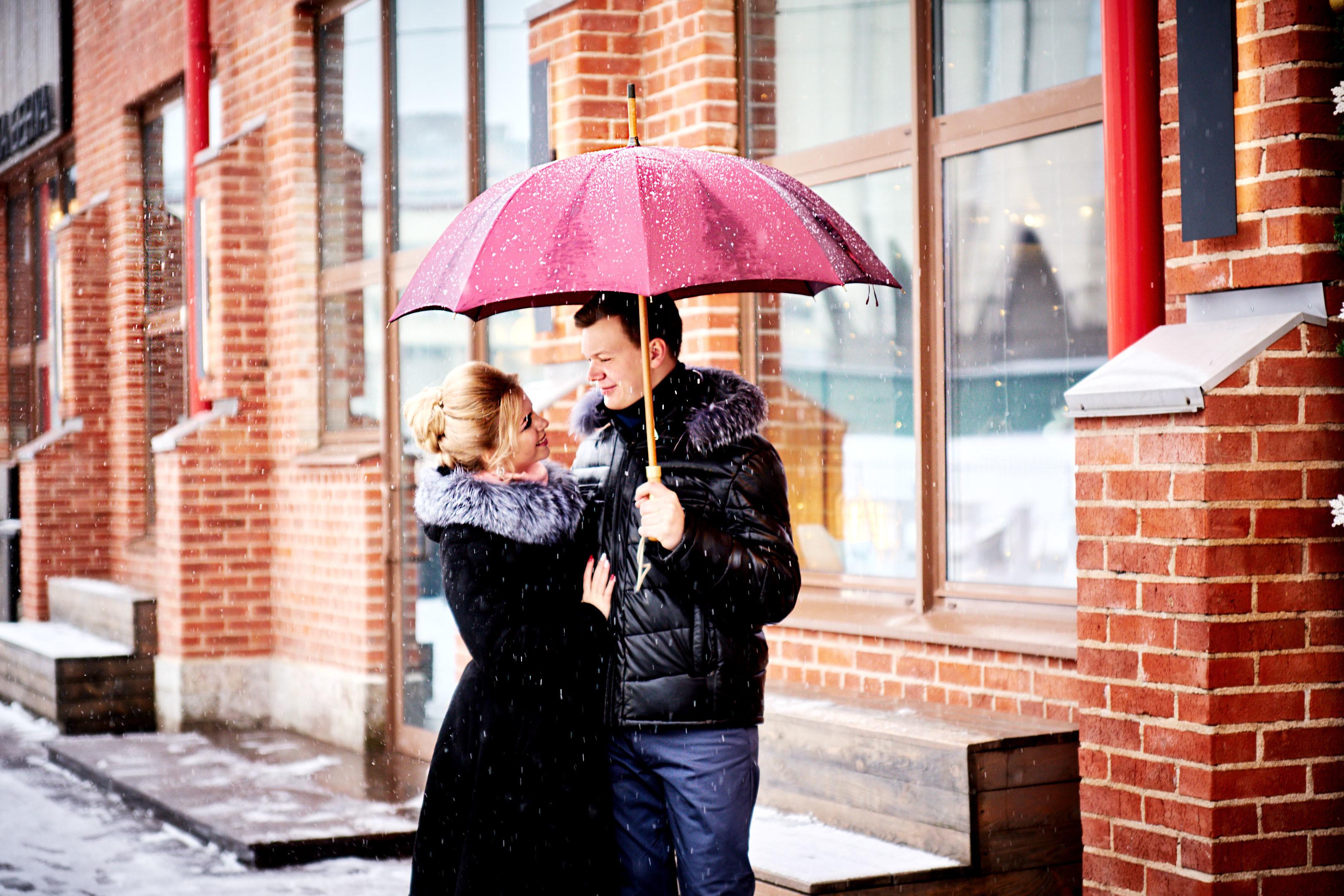 Зимняя предсвадебная фотосессия, фотосесия лав стори, фотосессия в дождь, свадебный фотограф спб