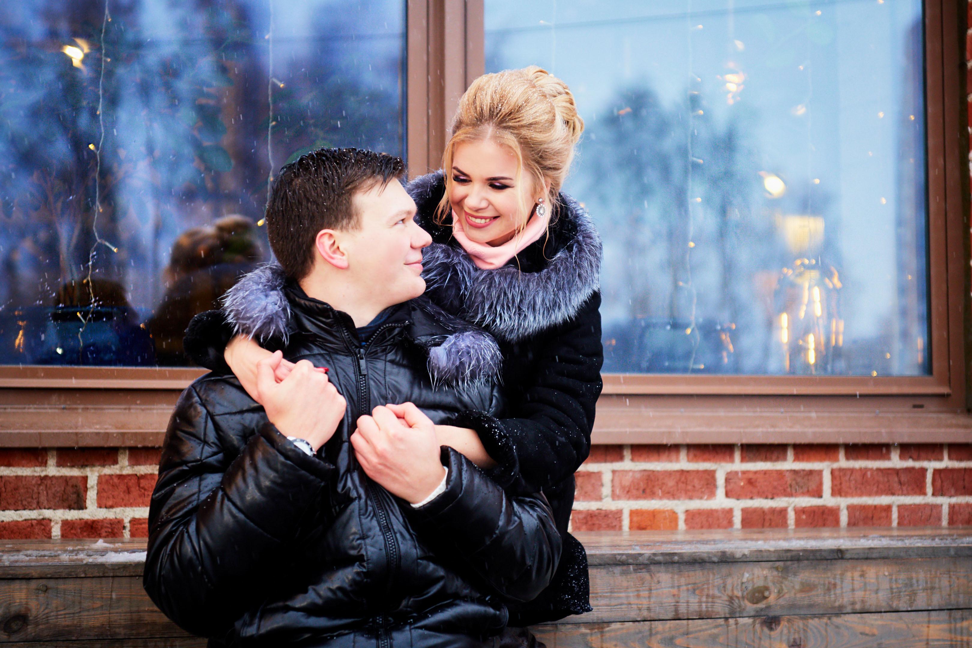 Зимняя предсвадебная фотосессия, фотосесия лав стори, свадебный фотограф спб