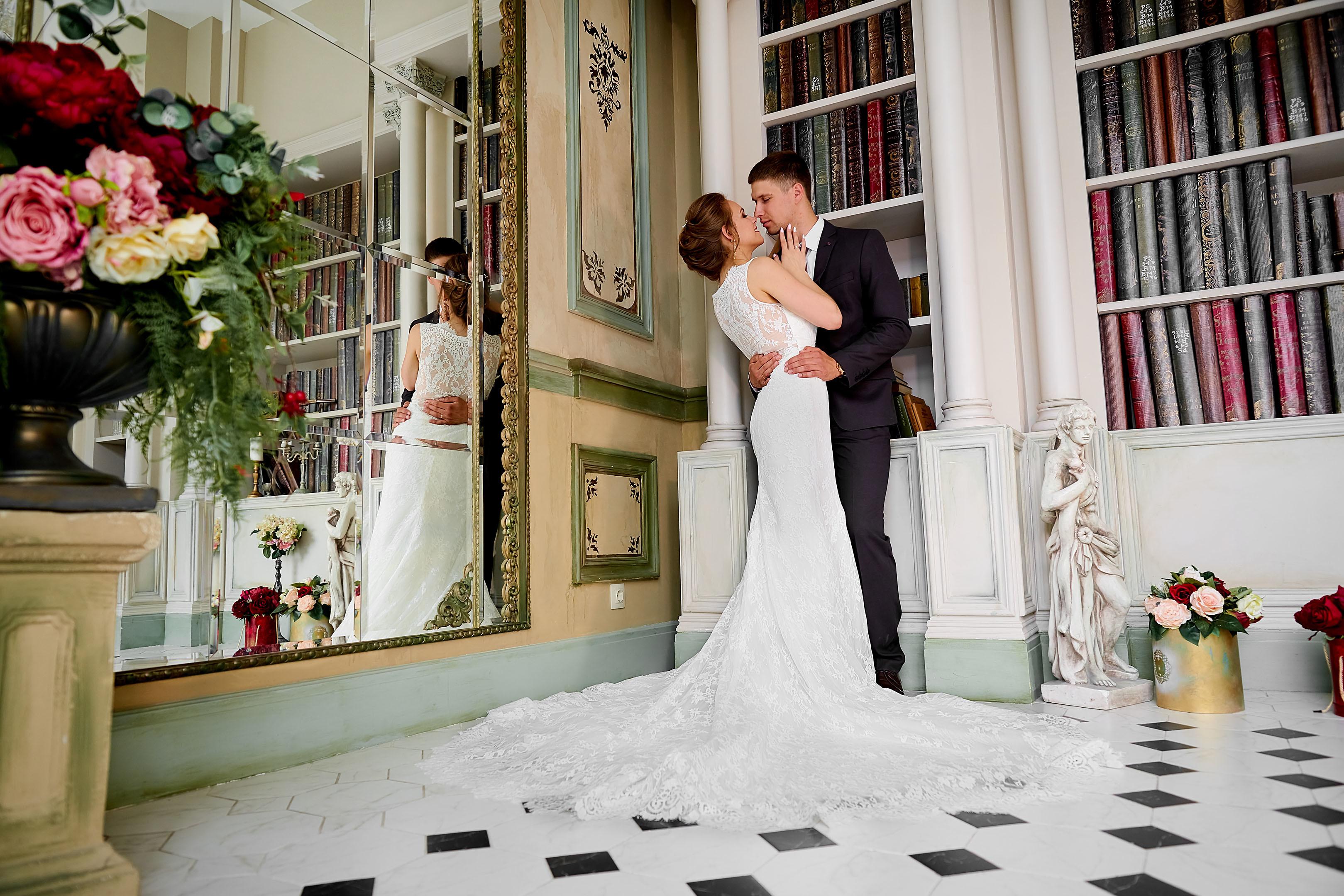 Свадебная фотосессия летом в фотостудии, свадебный фотограф Спб, Питер