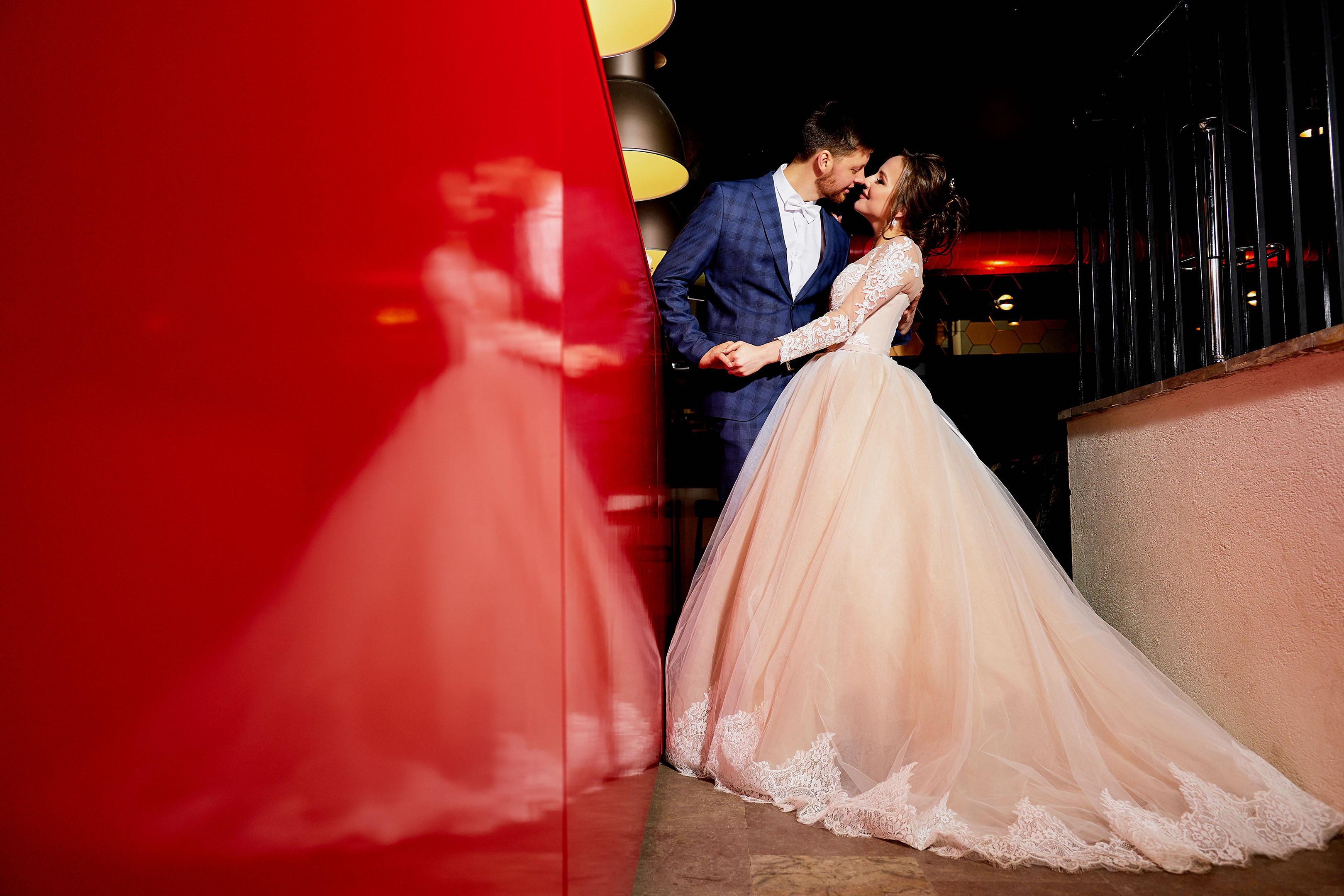 Свадебная фотосессия в Пушкине, свадебная фотосессия в Отеле Певченская Башня зимой