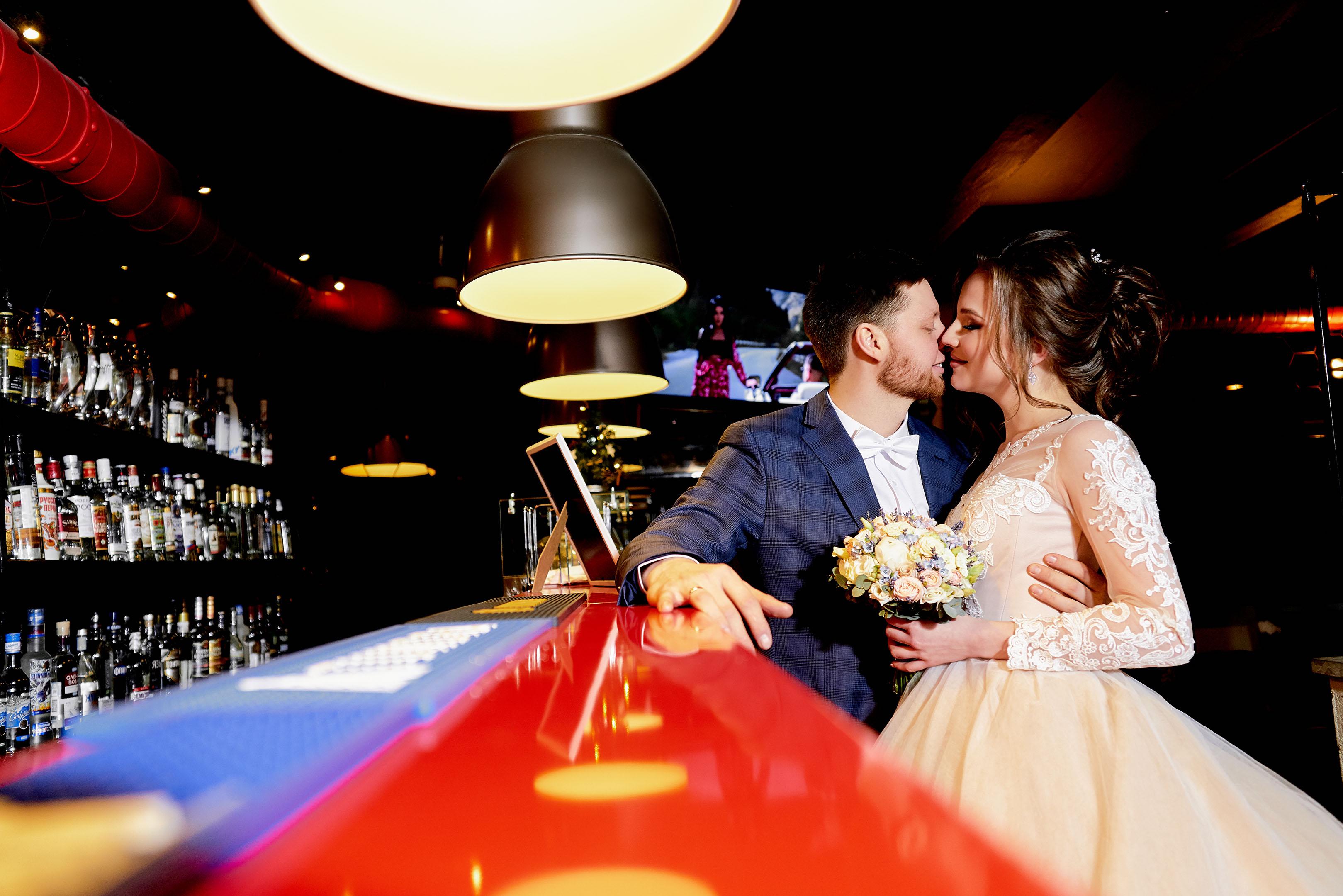 Свадебная фотосессия в Пушкине, свадебная фотосессия в Отеле Певченская Башня