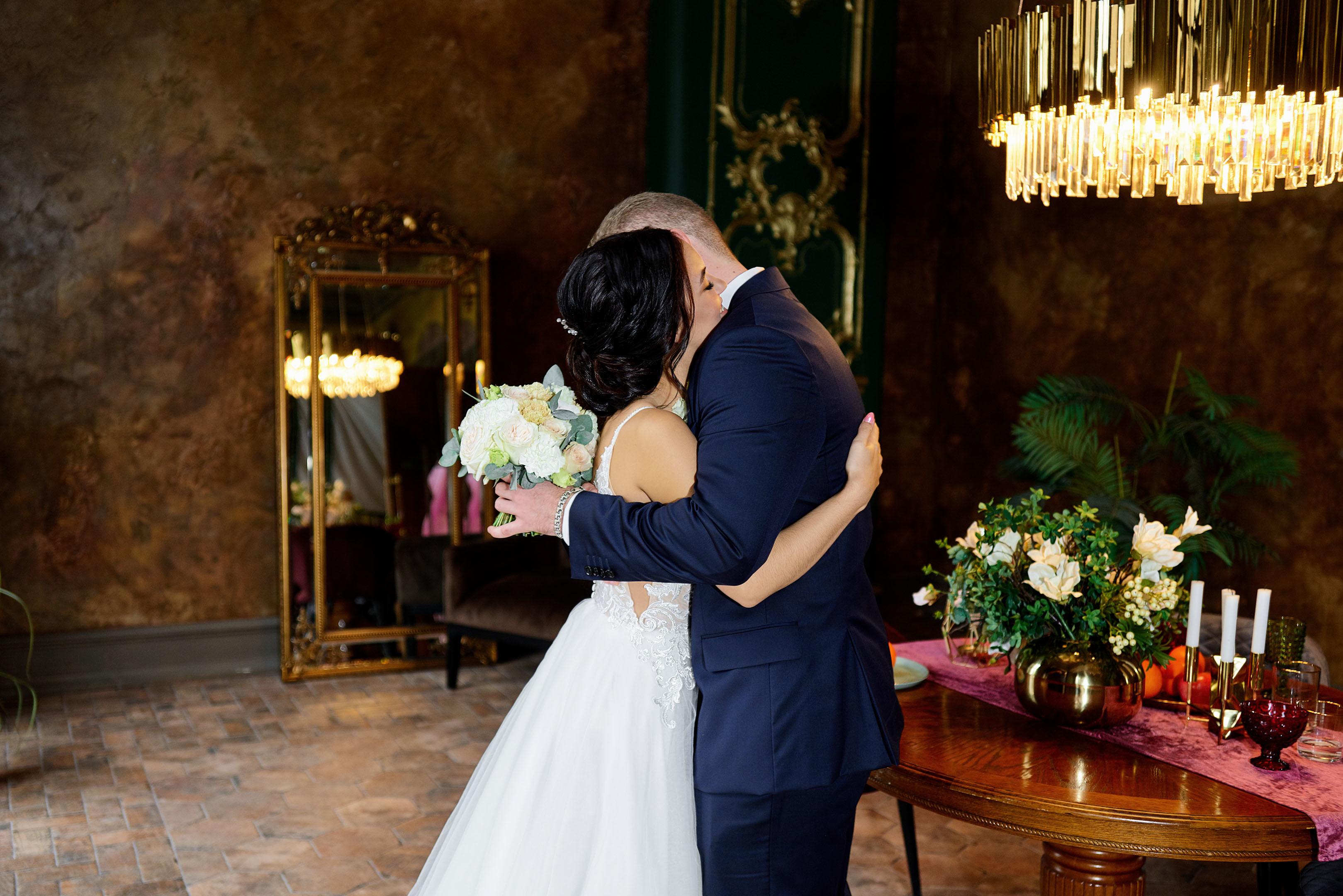 Свадебная фотосессия в фотостудии, свадебный фотограф спб