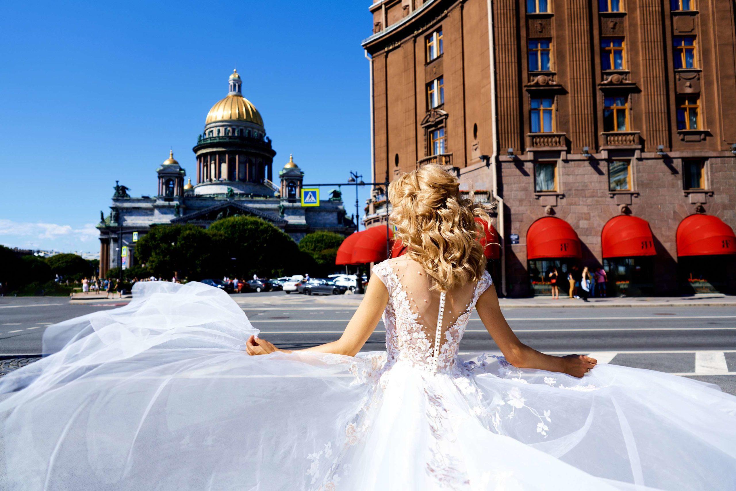 Свадебная фотосессия на Исаакиевской площади, свадебный фотограф спб