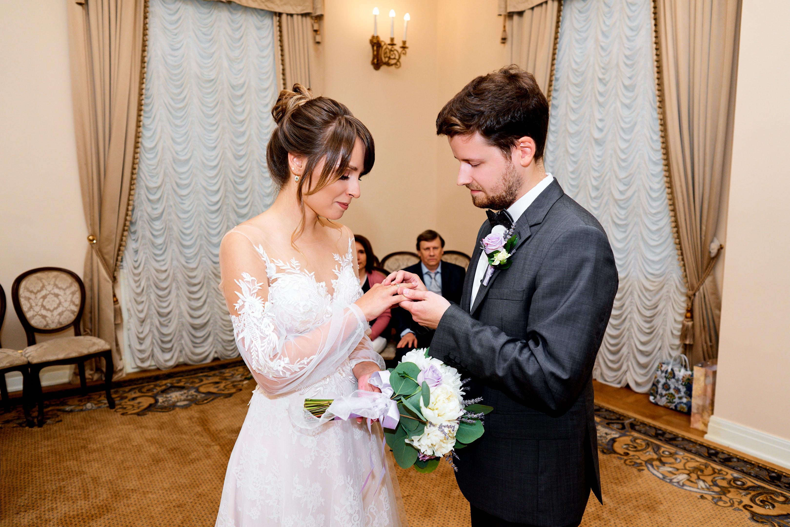 Свадебная фотосессия в Пушкине, торжественная регистрация во дворце бракосочетания №3 свадебный фотограф Пушкин