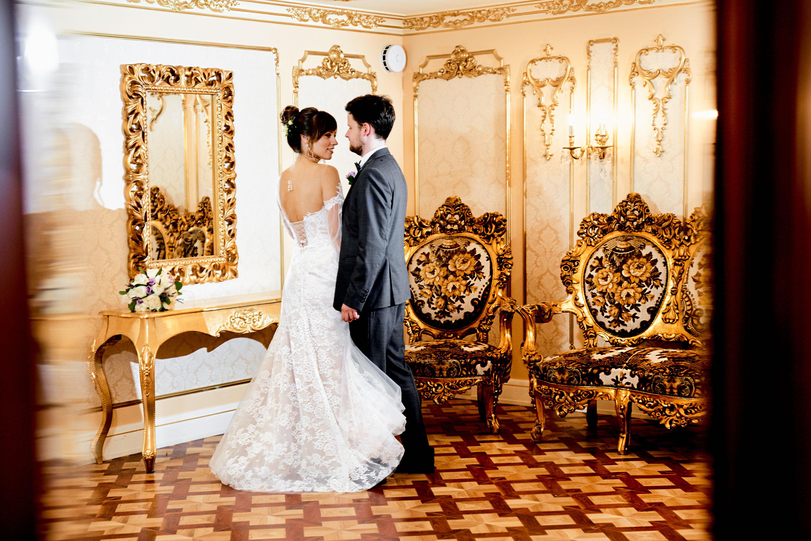 Свадебная фотосессия в фотостудии, фотосессия в дождь