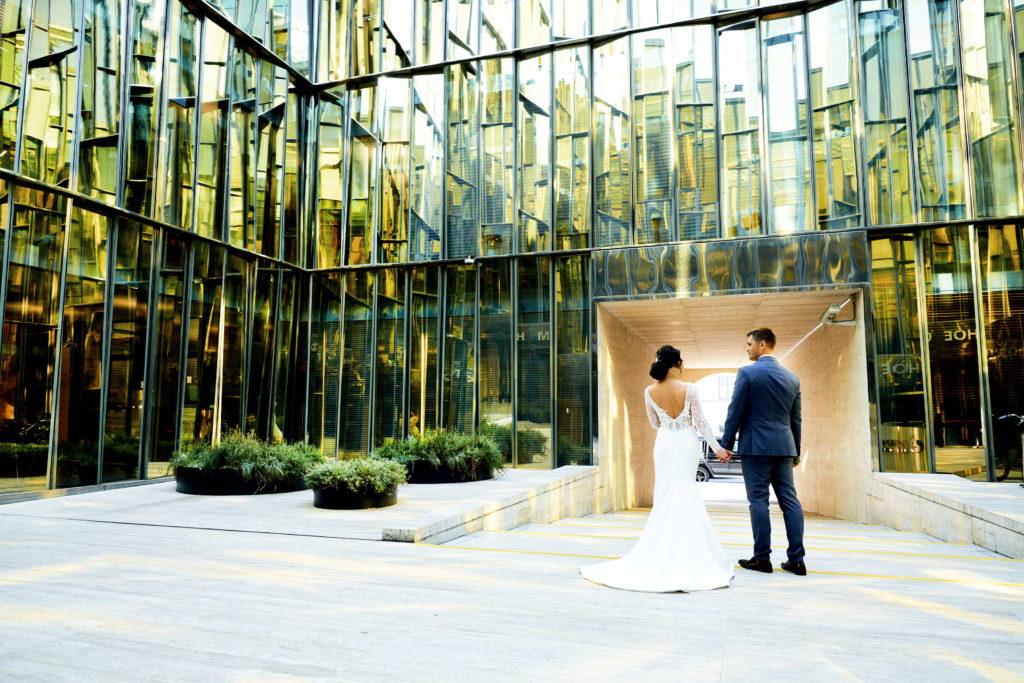 Свадебная фотосессия в Дворике Газпром на Почтамтской улице