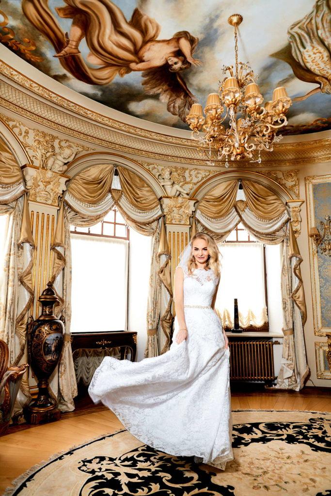 Свадебная фотосессия в апартаментах Наполеон Апартментс (Napoleon Aoartments)