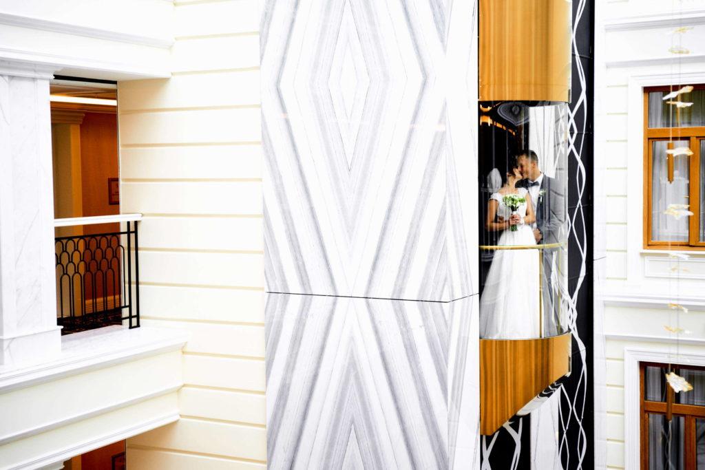 Свадебная фотосессия в отеле в Пушкине